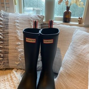 Hunter Boots - size 5 (US) ✨brand new